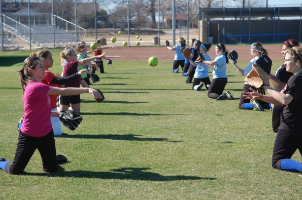Softball prepares for upcoming season